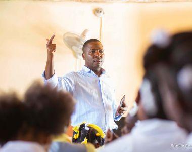 Le volet éducatif du programme Gestion Urbaine de Proximité rencontre des responsables d'écoles à Martissant