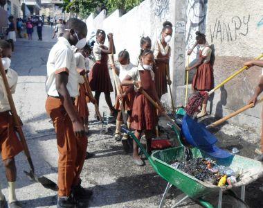 Gestion de déchets : les élèves de l'Institution Mixte Frère Monfleury Saintyl donnent l'exemple
